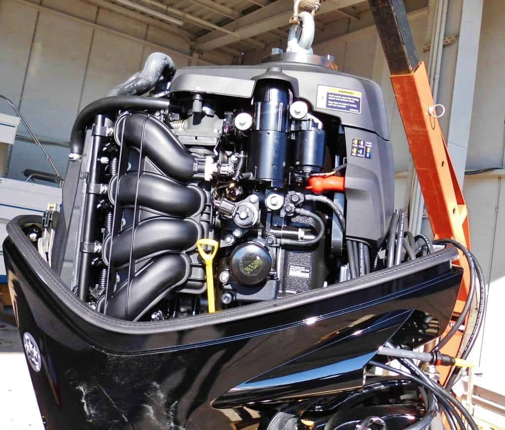 Boat Motor : Types And Facts